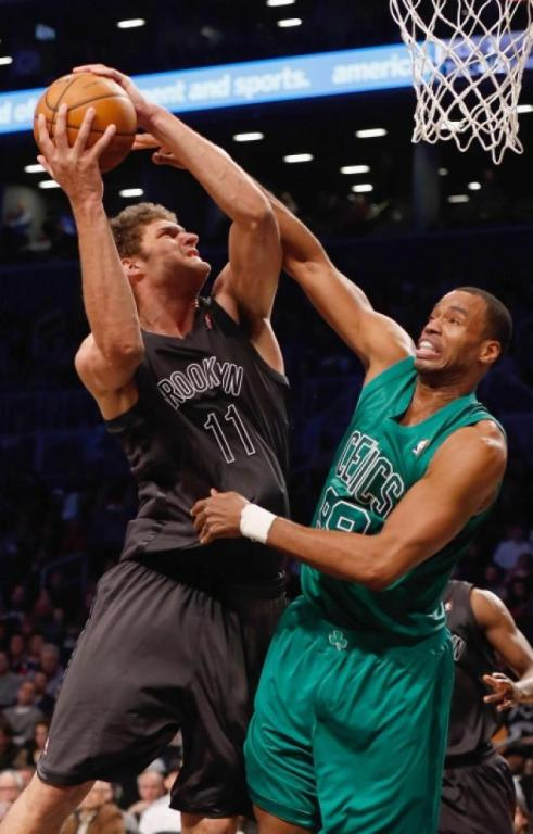 Jason Collins of the Washington Wizards comes out as gay in a Sports Illustrated article.